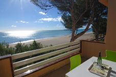 Apartment in Mont-Roig del Camp at 2 m from the beach
