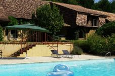 Villa in Saint-Laurent-des-Hommes for 10 people with 4 rooms