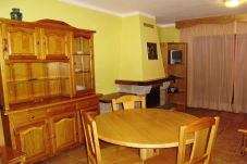 Apartment with 2 rooms at 900 m to the ski slopes