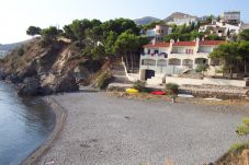 Villa in Llança at 1 m from the beach