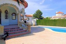 Villa with 3 bedrooms at 1000 m from the beach